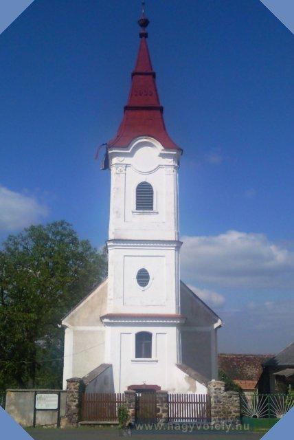 Nagyvázsony-Taliándörögdi Társegyházközség temploma kívülrõl
